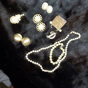 Marvella lot snowman jelly belly brooch and more